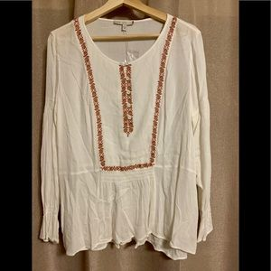 🎁Pale Sky embroidered peasant blouse NWT